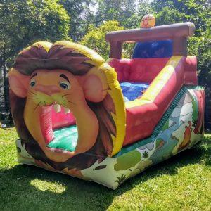 Tobogã inflável Leão
